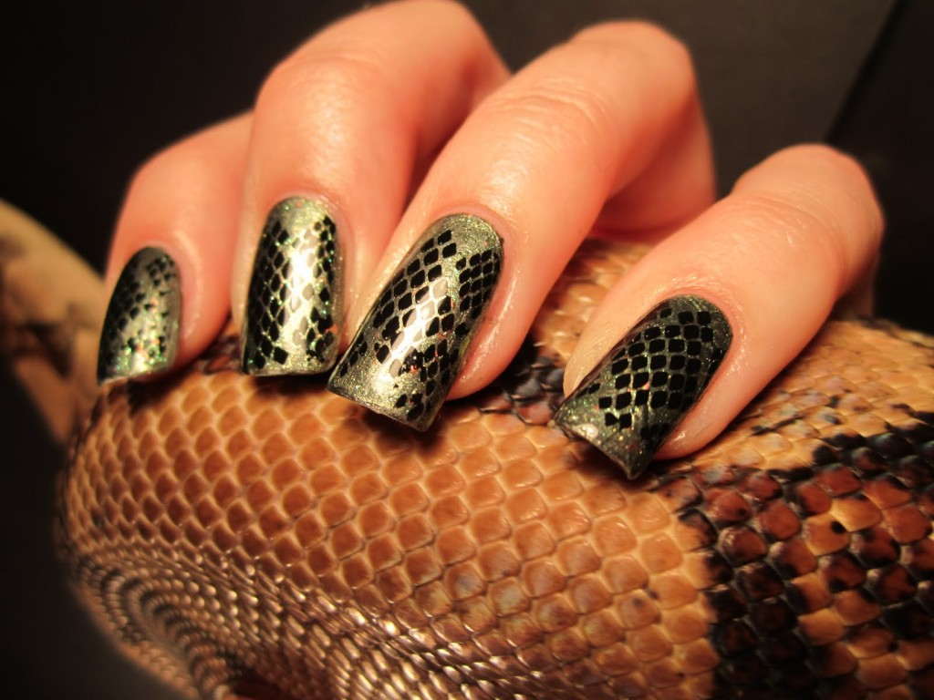 Snake nail prints 1024x768 Nail designs animal print