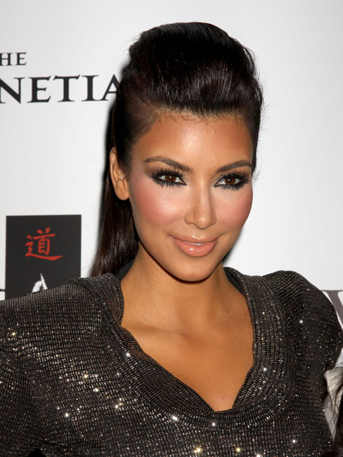 kim kardashian too much makeup