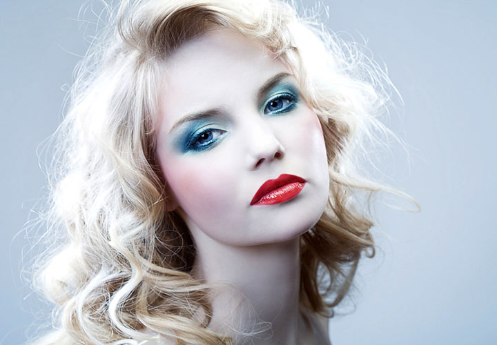 makeup for blue eyes blonde hair