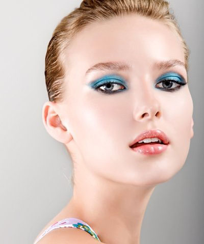 makeup for blue eyes brown hair pale skin
