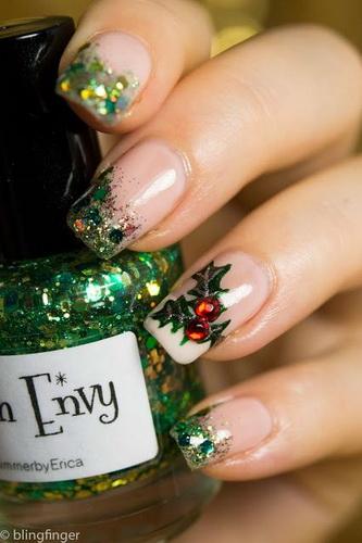 nail designs christmas1 New Year's nail designs