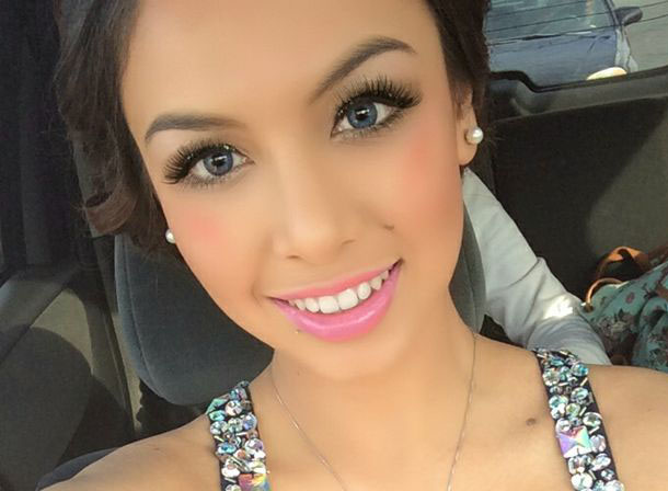 prom makeup for blue eyes1 Prom makeup   how to look gorgeous in your most important day