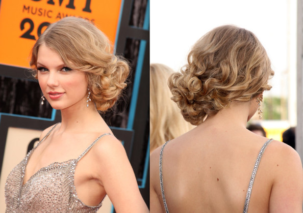prom hairstyles down and curly Top 30 prom hairstyles