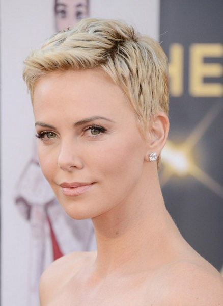 Charlize-Theron Natural hairstyles