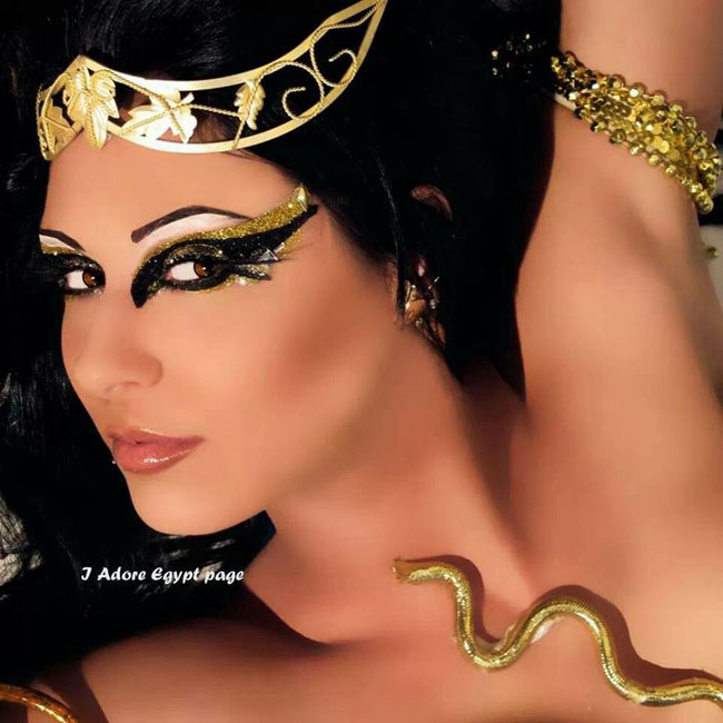 Cleopatra black makeup