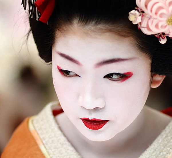 geisha girl makeup
