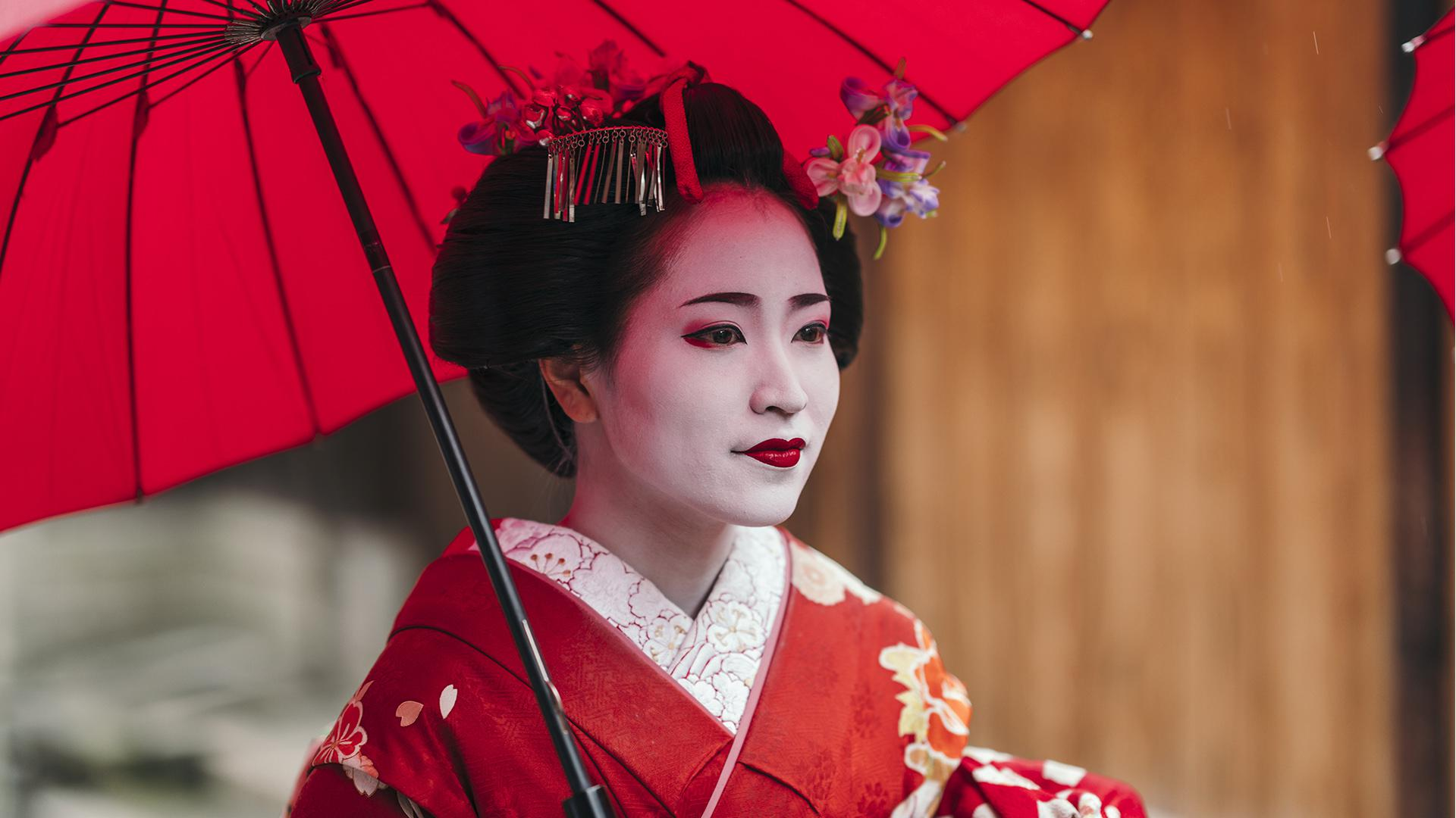 geisha white makeup