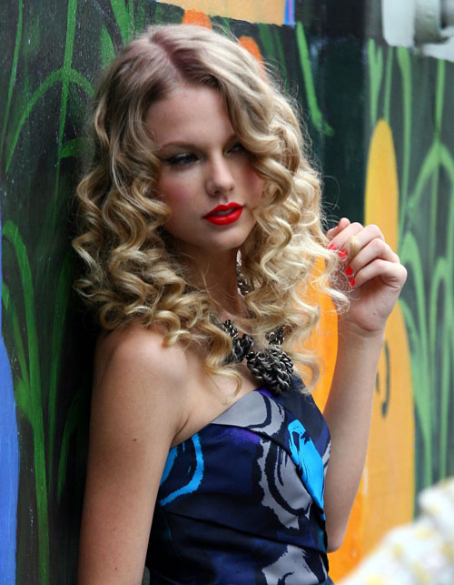 hairstyles Sexy curls Homecoming hairstyles photos and ideas