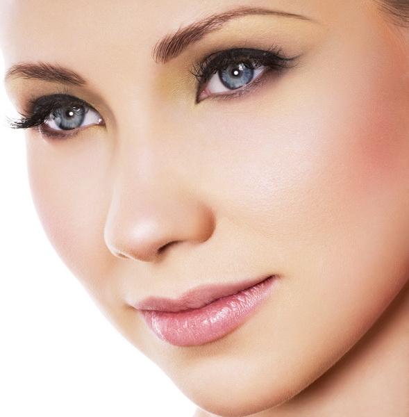 natural looking makeup resize Natural makeup: tutorial and pictures
