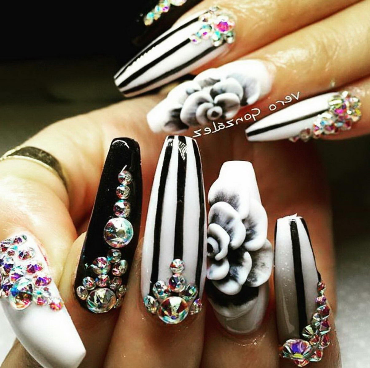 3D white and black nail styles