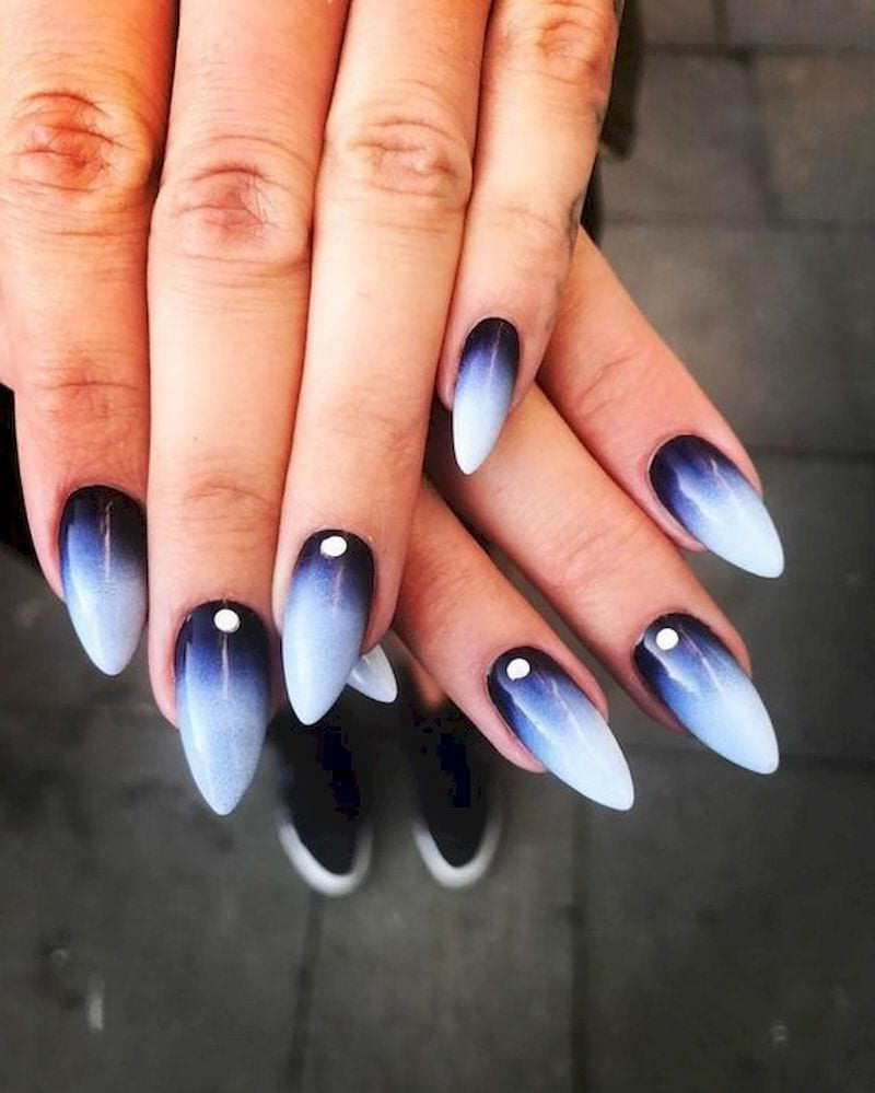 Cool ombre black and white nails