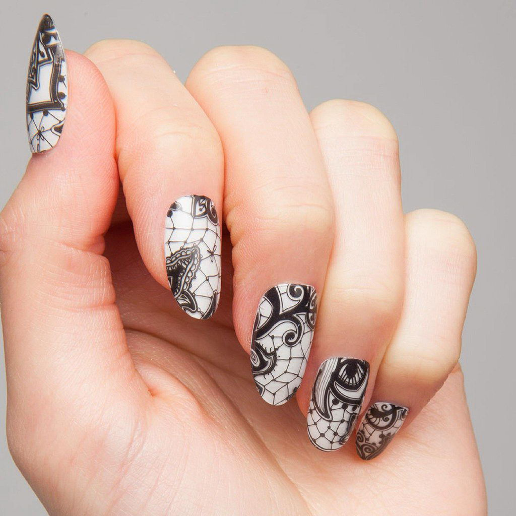 Henna black and white nails