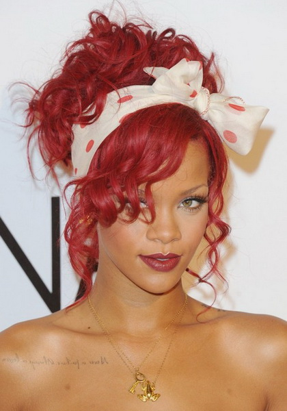 curly hair pinup styles 15 pin up hairstyles easy to make yve style 8755 | Rihanna Pin up hairstyles