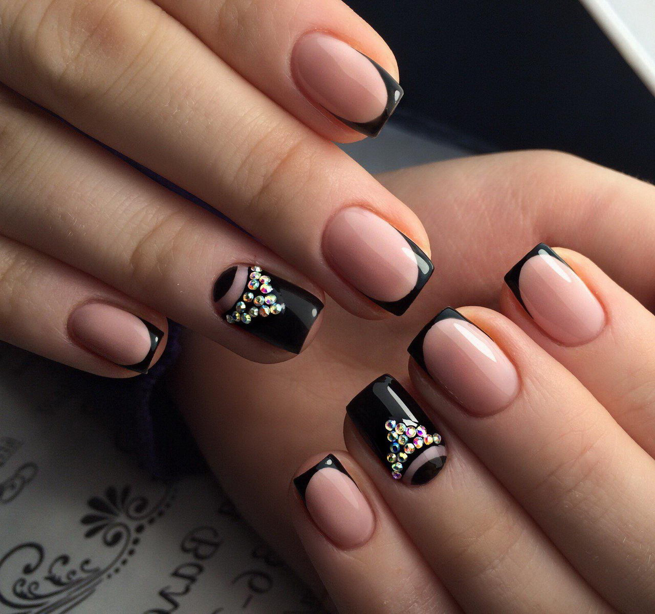 White and black Nails with Gold