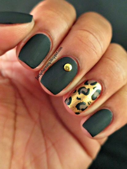 black and gold nail designs Top 10 Black Nail Designs