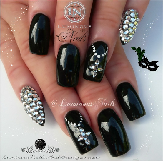 cute black and white nail designs