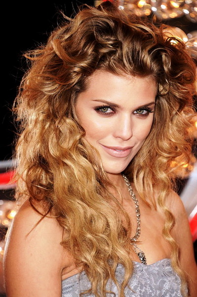 cute long curly hairstyles Long curly hairstyles 2015