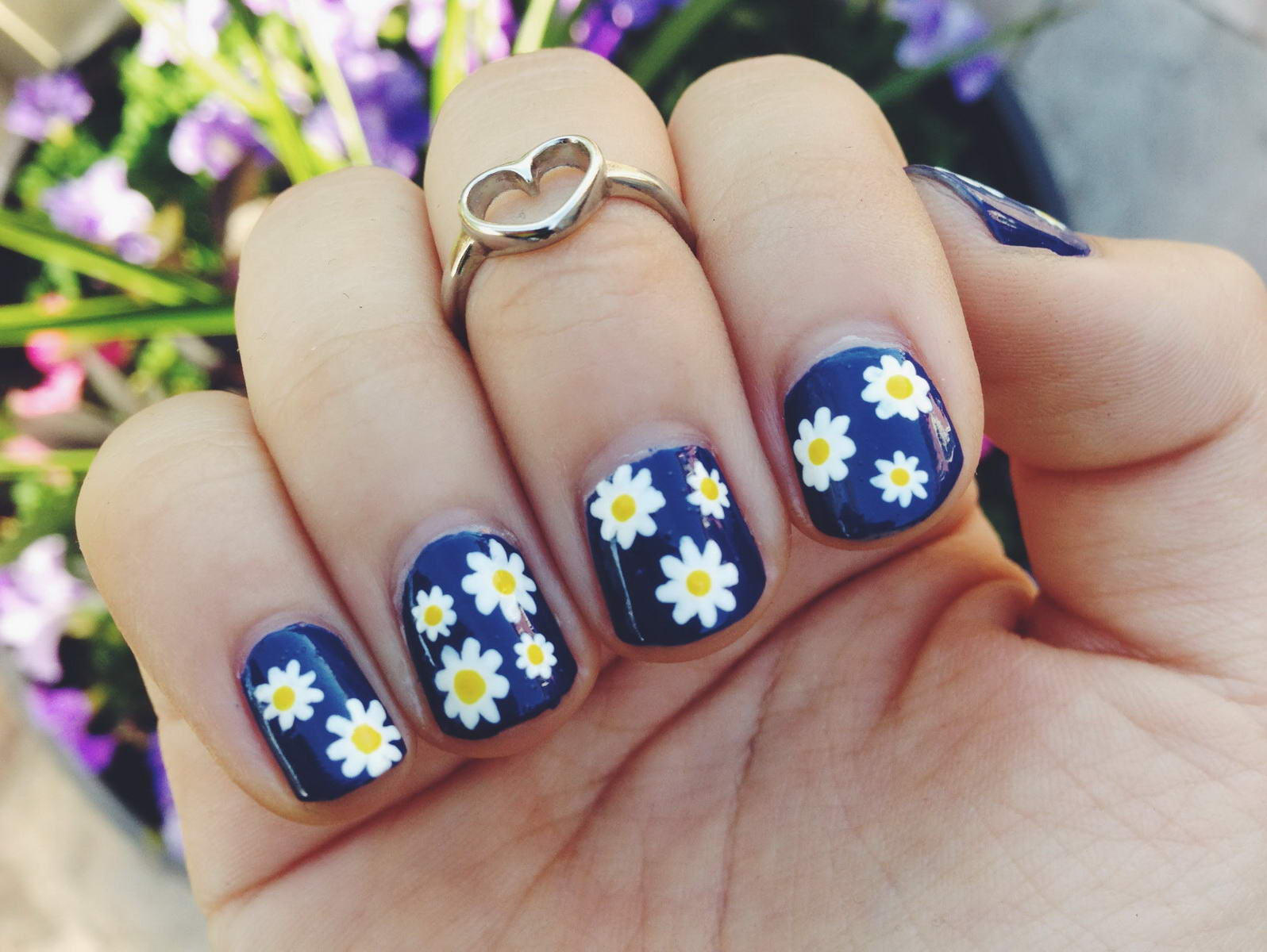 easy flower nail designs for short nails