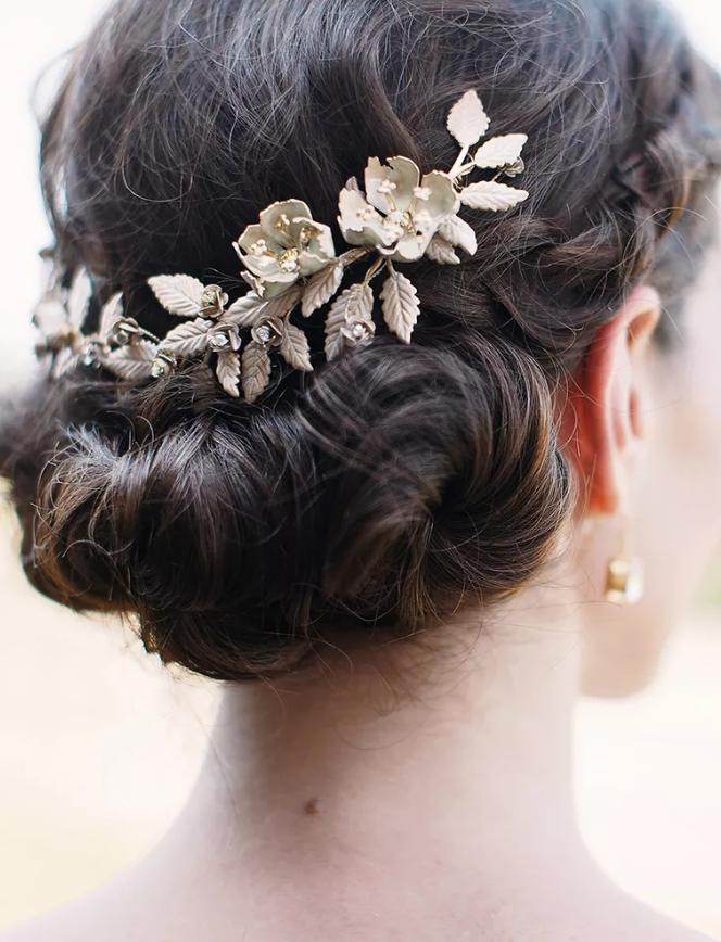 hairstyle for a bridesmaid