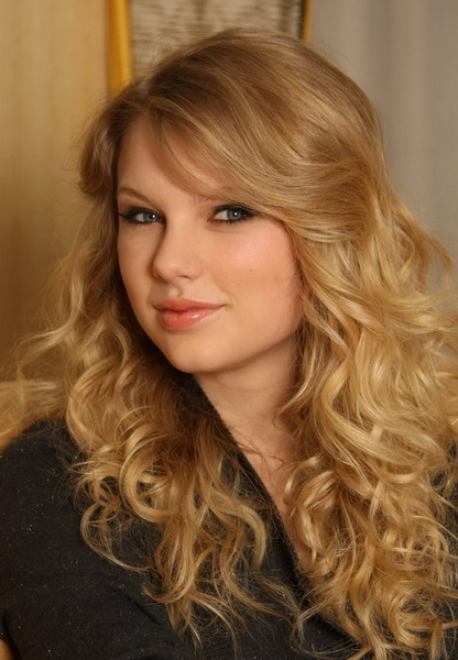 long curly hairstyle Long curly hairstyles 2015