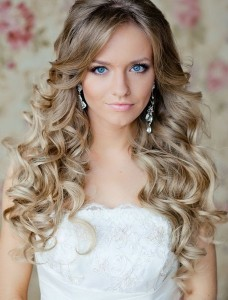 long curly hairstyles with bangs