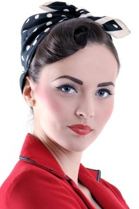 pin up hairstyles with bandana