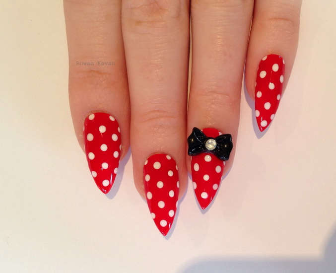 red stiletto nail designs