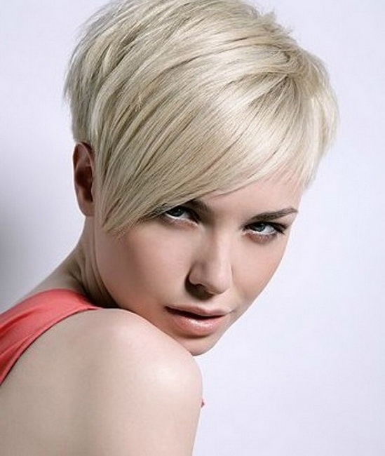 short hairstyles for round faces 2018