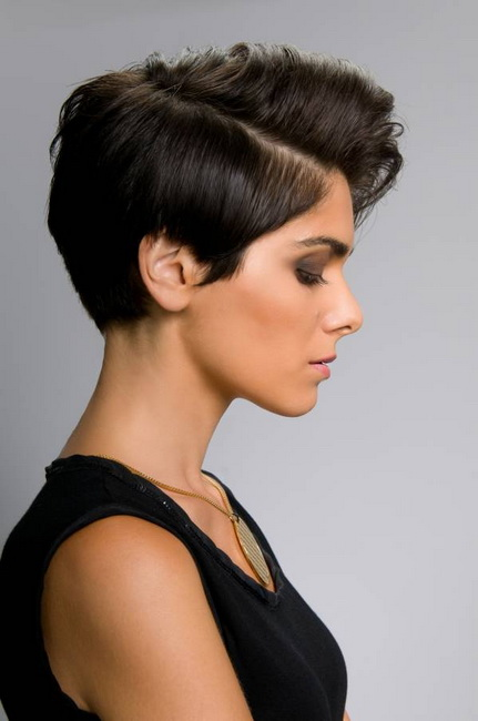 short hairstyles for thick hair 2018