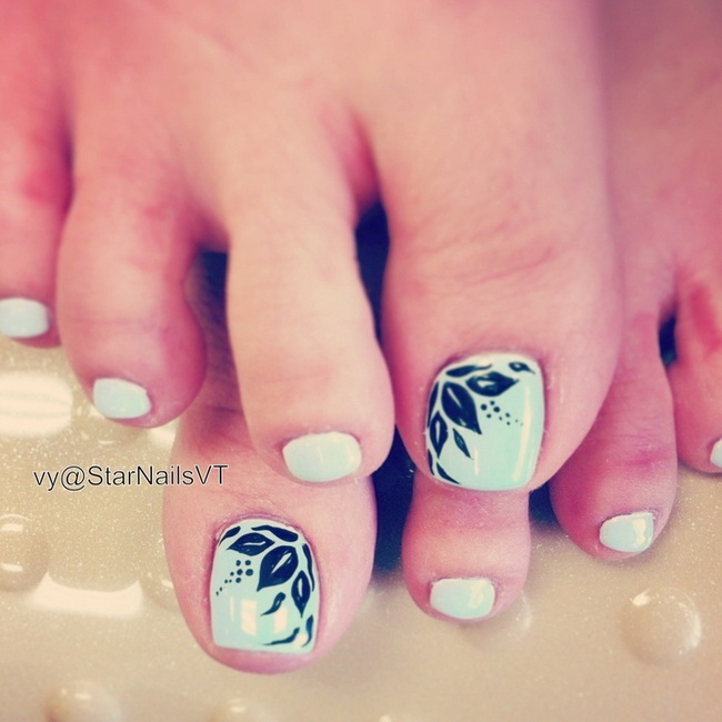 toe and nail designs