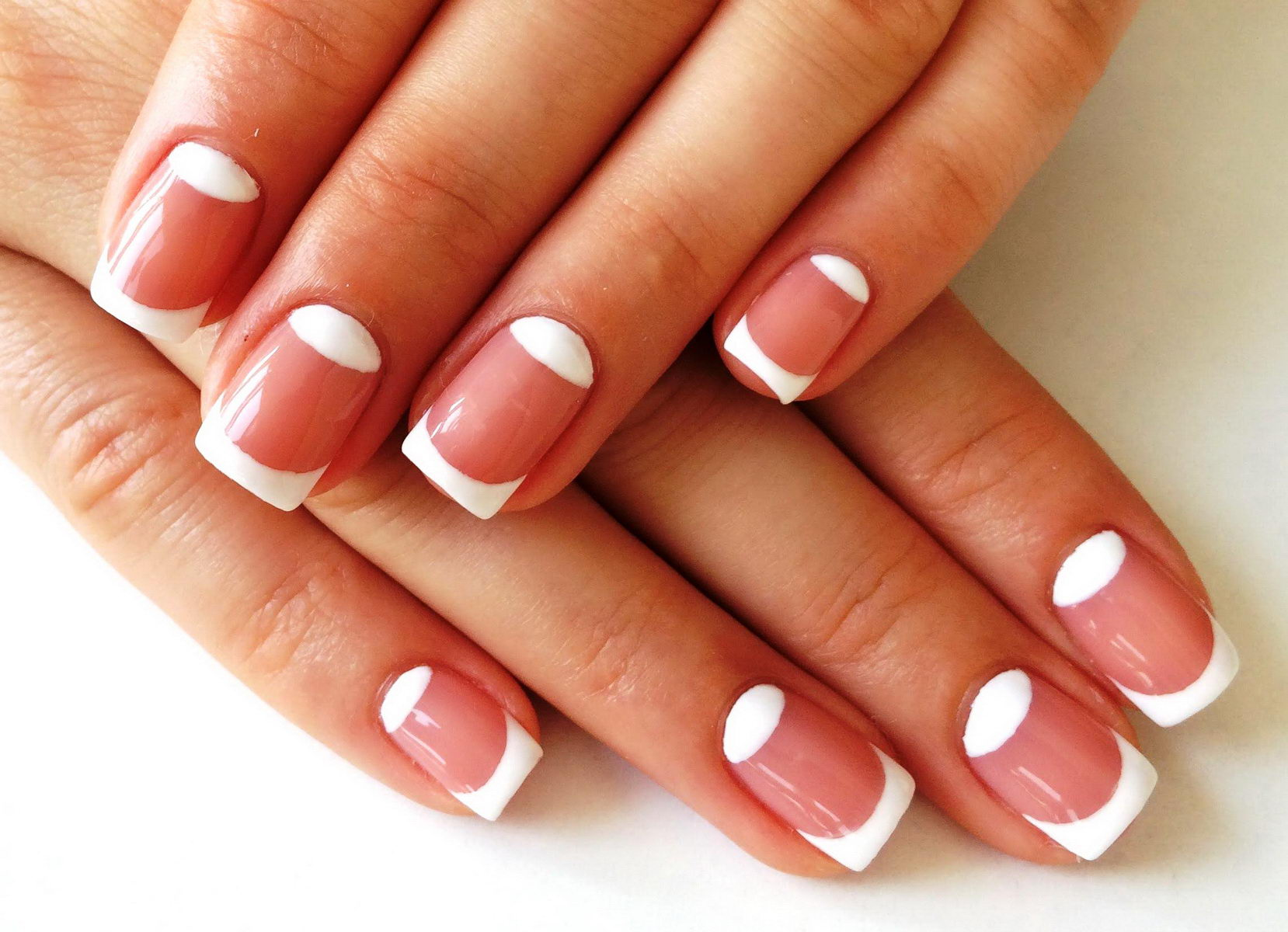 white-french-tip-nail-designs