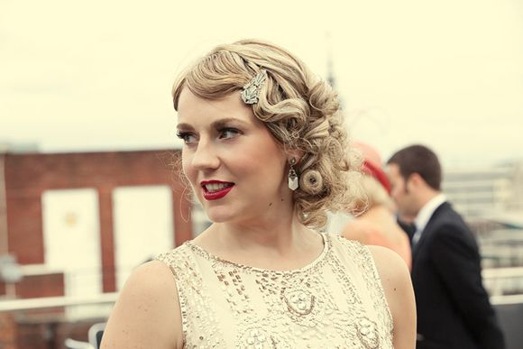 Flapper Hair Style: 1920s Hairstyles Tutorial & Pictures