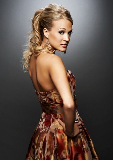 Carrie Underwood's sophisticated ponytail Top 10 Carrie Underwood hairstyles