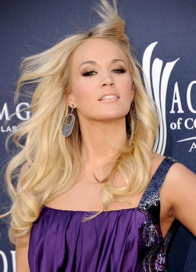 Carrie Underwood long hairstyle Top 10 Carrie Underwood hairstyles