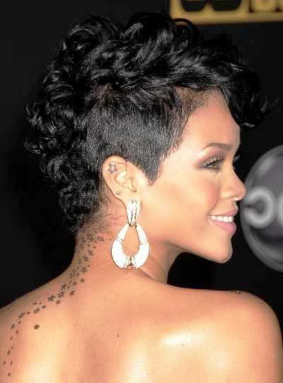 Rihanna Natural curly hairstyles