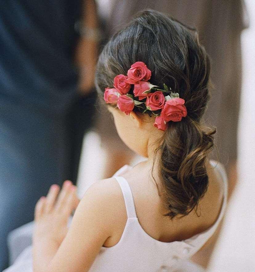 little girl Ponytail flowers