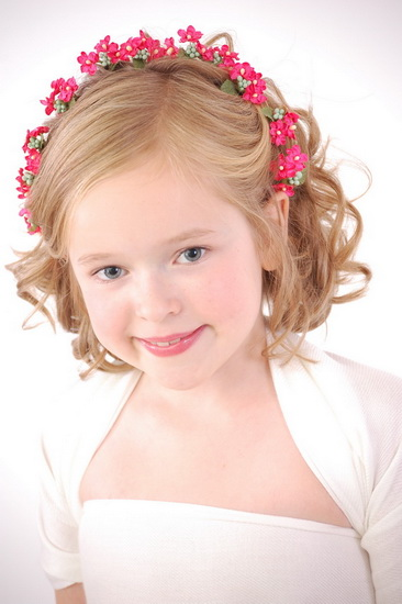 little girl hairstyles 15 Adorable Flower girl hairstyles