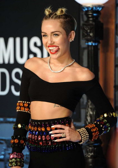 miley cyrus 2015 20 best Miley Cyrus hairstyles and haircuts