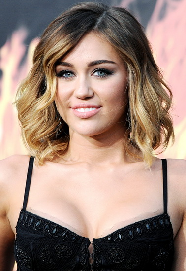 miley cyrus curly hairstyles