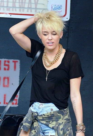 miley cyrus hair styles
