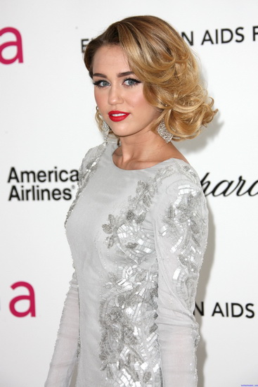 miley cyrus new hairstyle