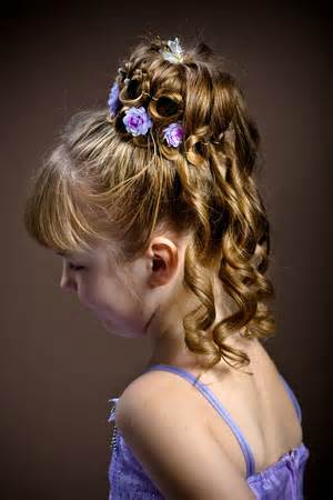 15 adorable flower girl hairstyles yve. Black Bedroom Furniture Sets. Home Design Ideas