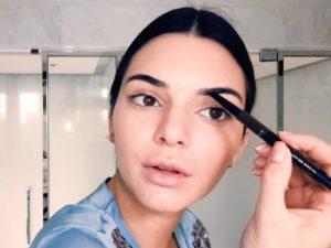Kendall Jenner makeup 2018