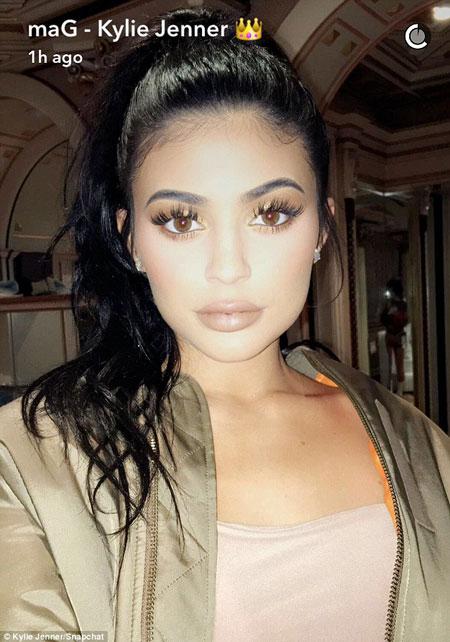 Kylie Jenner Long wavy ponytail