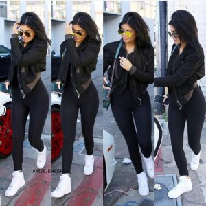 Kylie-Jenner-black-outfits-in-2018