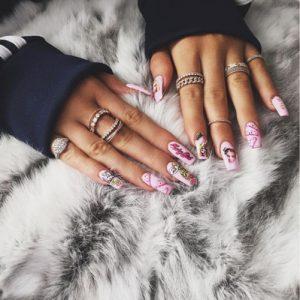 Kylie-Jenner-nails