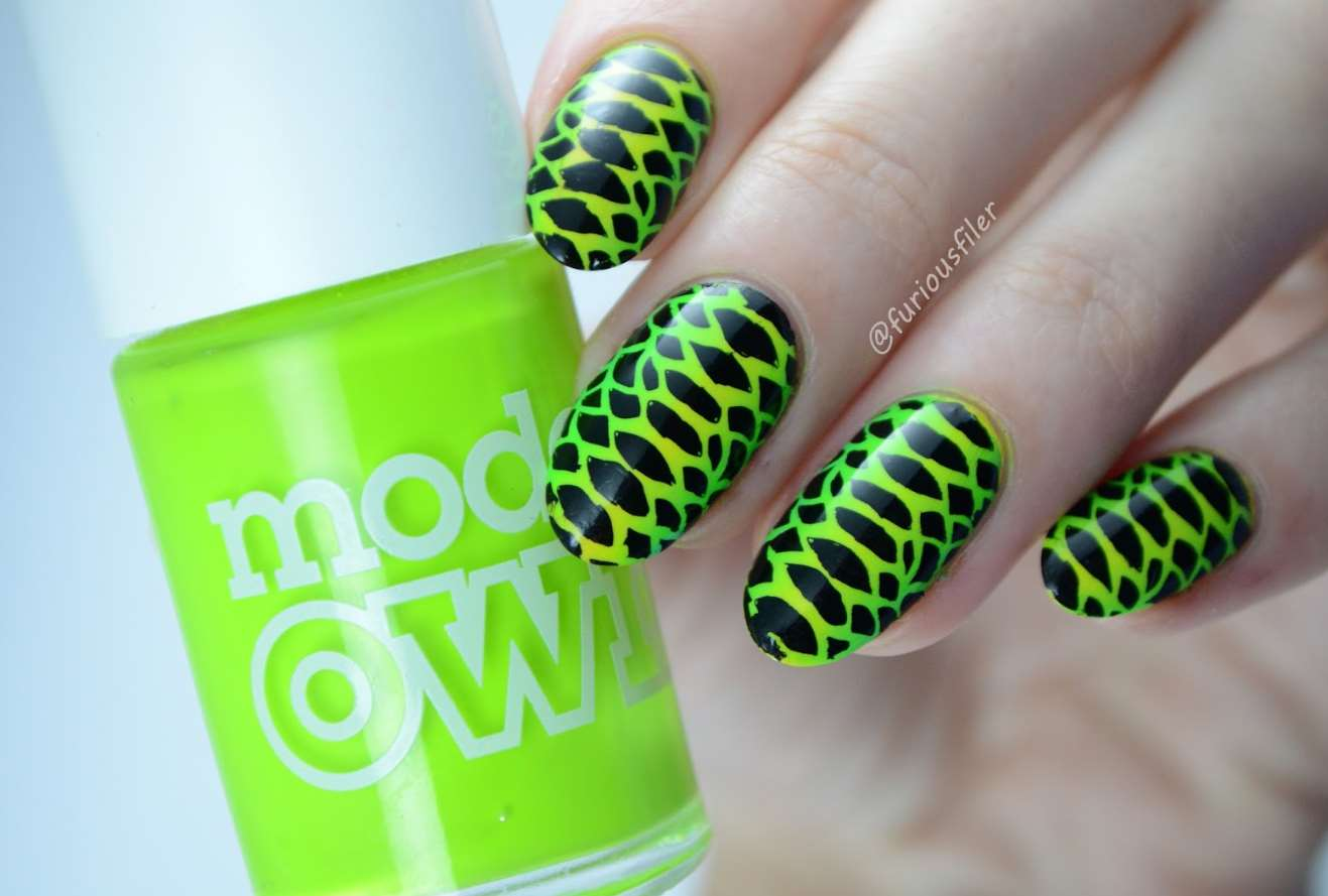 green animal print nail designs