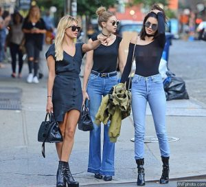 kendall jenner Little black matched with jeans