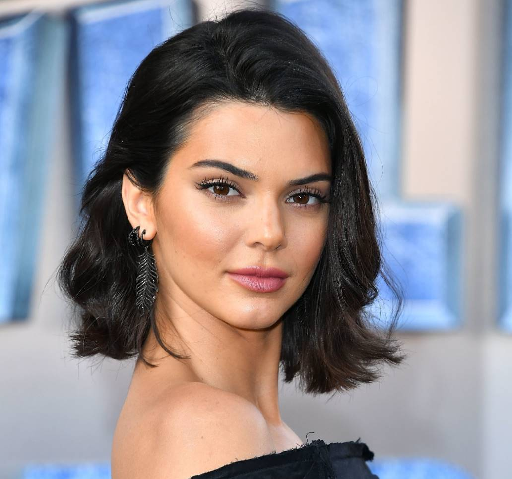 kendall jenner medium length hair