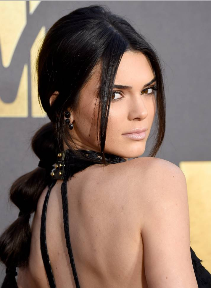 kendall jenner red carpet hair